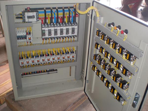 Kết quả hình ảnh cho Tủ điện điều khiển động cơ MCC